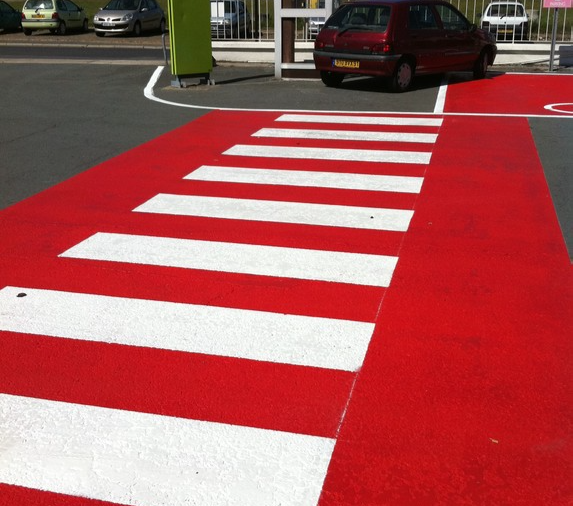 France parking signalisation accueil for Peinture parking exterieur
